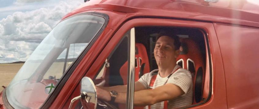 Fifa 14: comercial traz Messi dirigindo carro e jogadores em poses inusitadas Screen_shot_2013-09-06_at_2.21.11_pm