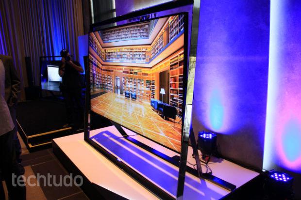 Ultra HD de 85 polegadas de perfil (Foto: TechTudo/Renato Bazan)