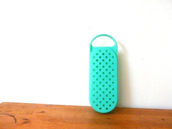 Novo iPhone 5C foi comparado a um ralador de queijo por internautas (Foto: Reprodução/Mashable)