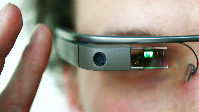 Google Glass ganha novas funcionalidades que incluem vinhetas e busca de som. (Foto: Reprodução / Digital Trends)