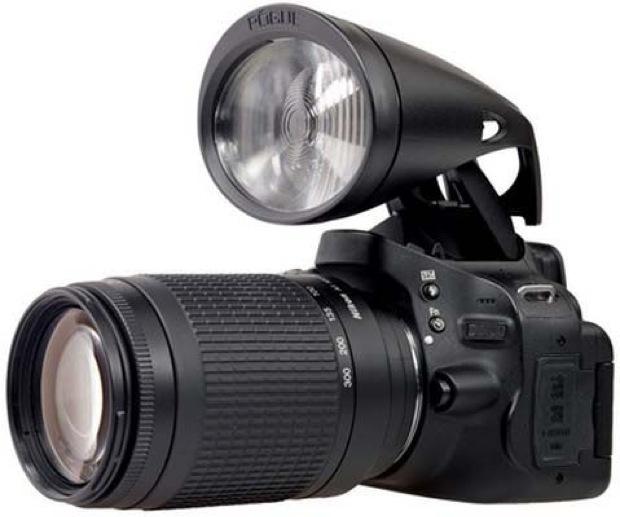Empresa cria flash que produz oito vezes mais luz (Foto: Divulgação)