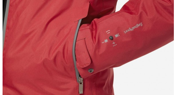 Detalhe mostra o controle da jaqueta na manga (Foto: Divulgação)