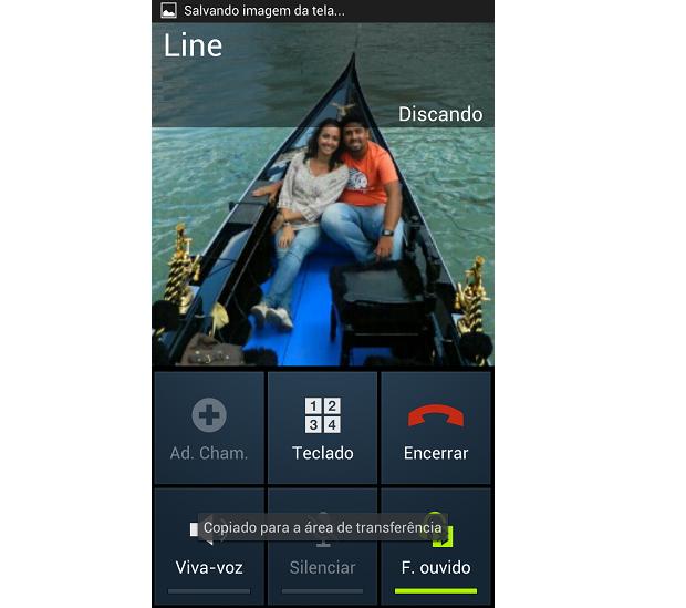 """Para atender pelo celular, é preciso desativar o """"fone de ouvido bluetooth"""" (Foto: Reprodução/Thiago Barros)"""