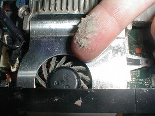 Sujeira pode causa superaquecimento e, consequentemente, o desligamento do PC (Foto: Reprodução/I Fit Jams)