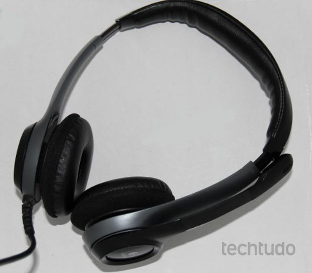 Headset é ideal para videoconferências usando o Skype ou Hangouts do Google+ (Foto: TechTudo/Rodrigo Bastos)