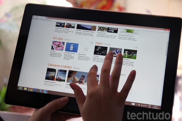 Modo tablet tem ótima resposta na tela externa Full HD com tecnologia IPS (Foto: TechTudo/Luciana Maline)