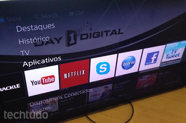 Sony X905 tem aplicações que facilitam a navegação (Foto: TechTudo/André Fogaça)