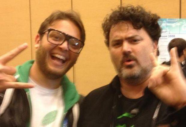 Eduardo Lamhut e o designer de games Tim Schafer, criador de Full Throttle (Foto: Arquivo Pessoal)
