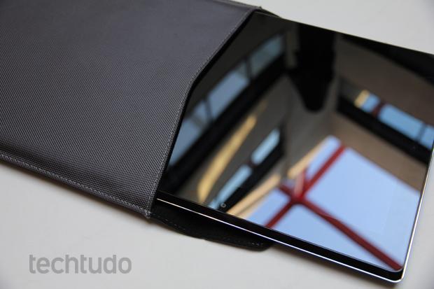 Asus Taichi impressiona com sua segunda tela e caneta Stylus (Foto: TechTudo/Rodrigo Bastos)