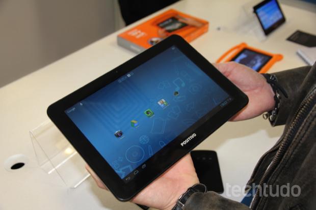 Positivo Ypy L1000 tablet com 10 polegadas, Android 4.1 Jelly Bean (Foto: TechTudo/Rodrigo Bastos)