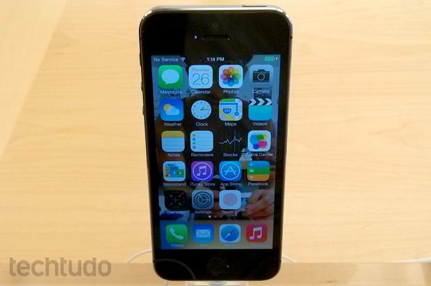 iPhone 5S: com novo co-processador, telefone gastará menos bateria (Foto: Isadora Díaz / TechTudo)