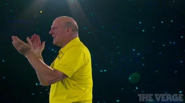 Steve Ballmer no palco durante seu último discurso na Microsoft (Foto: Reprodução/The Verge)