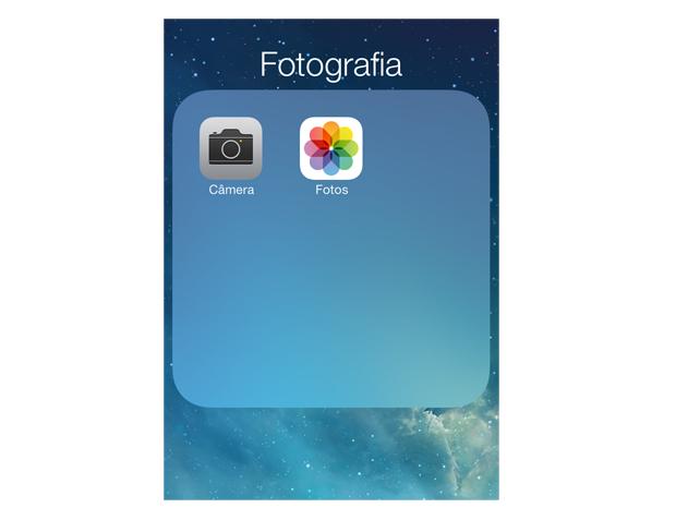 Acessando o rolo de câmera do iOS 7 (Foto: Reprodução/Marvin Costa)