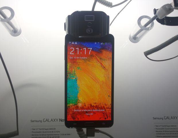 Galaxy Gear foi lançado com a possibilidade de sincronizar com o Note 3 (Foto: Pedro Zambarda/TechTudo)