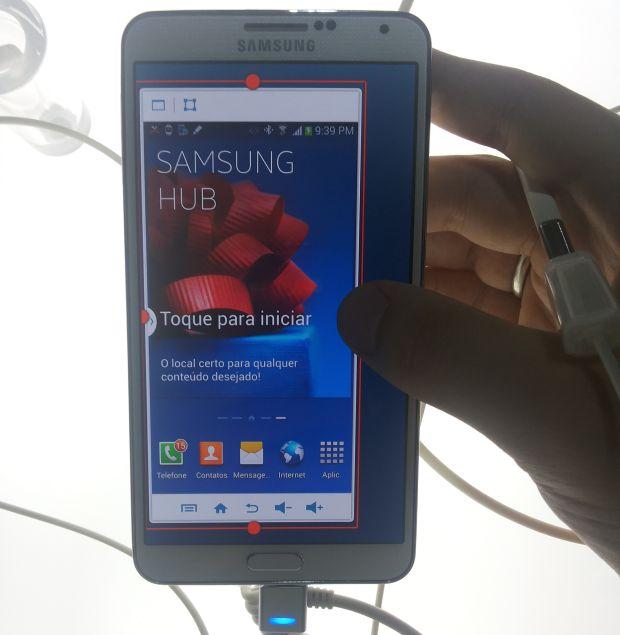 Galaxy Note 3 traz um recurso para diminuir a tela do sistema Android (Foto: Pedro Zambarda/TechTudo)