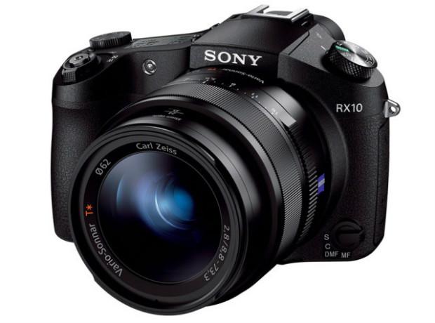 A Sony CyberShot RX10 tem lente fixa 24-200mm com zoom de até 8,3x (Foto: Divulgação/Sony)