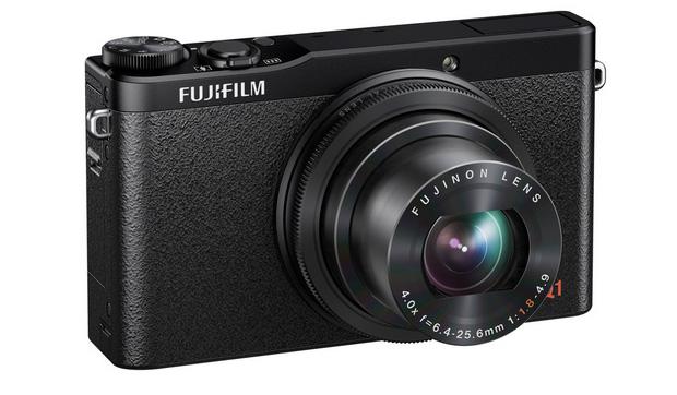 Câmera XQ1 da Fujifilm ganhou corpo de plástico texturizado e sensor de 12 MP com processador EXR II (Foto: Divulgação)