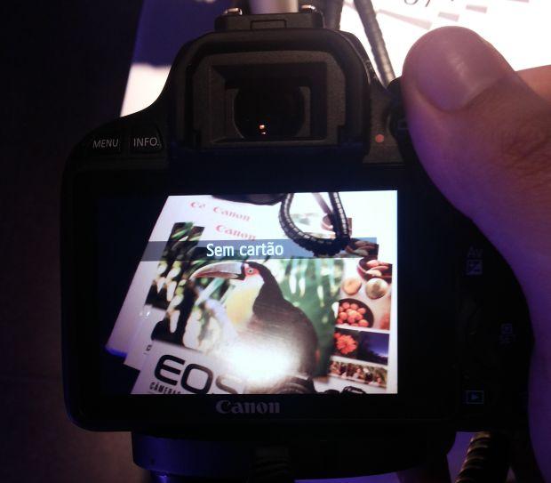 Tela de LCD do Canon EOS Rebel SL1 (Foto: Pedro Zambarda/TechTudo)