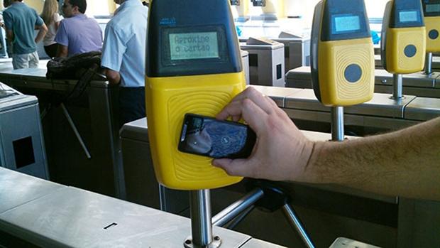 Pagamento de passagem com Smartphone começa a ser testado no Rio (Divulgação/Feranspor)
