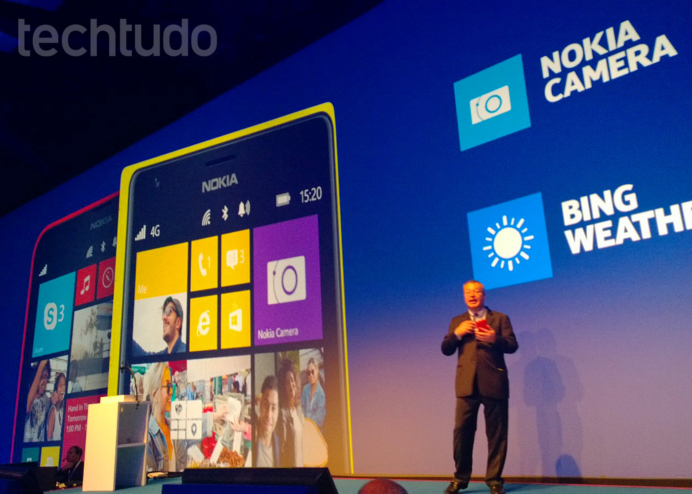 Lumia 1520 e Lumia 1320 lado a lado (Foto: Allan Melo / TechTudo)