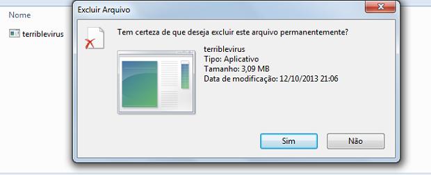 Arquivo .cmd sendo deletado do pendrive após os comandos. (Foto: Reprodução/Rodrigo Gurgel)