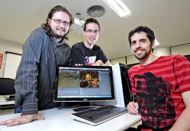 Alessandro Martinello (à esquerda) e a equipe desenvolvedora de Toren (Foto: Arquivo Pessoal)