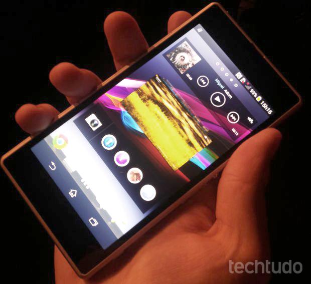 Xperia Z1 chega ao Brasil para brigar contra o Galaxy S4 e o LG G2 (Foto: Pedro Zambarda / TechTudo)