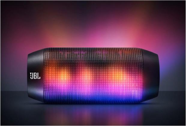 JBL Pulse, nova caixa de som portátil com LEDs controlados por app (Foto: Divulgação)