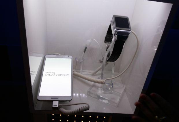Galaxy Gear sincroniza com o Galaxy Note 3 (Foto: Pedro Zambarda/TechTudo)