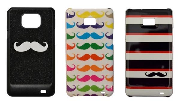 Modelos com estampas Mustache (Foto: Divulgação/Caronitas Acessórios)