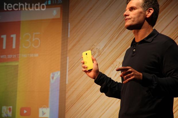 Moto G tem tela de 4,5 polegadas HD, processador Snapdragon quad-core, 1 GB de RAM e câmera de 5 megapixels (Foto: Allan Melo/TechTudo) (Foto: Allan Melo/TechTudo)