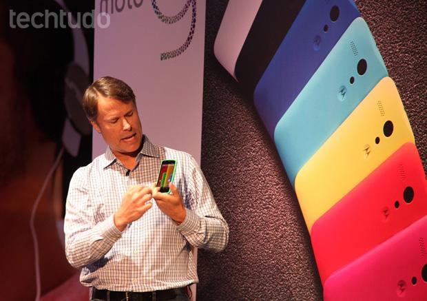 Moto G terá versões de 8 GB e 16 GB, com opções dual-chip e kit com capinhas ou fone de ouvido (Foto: Allan Melo/TechTudo)