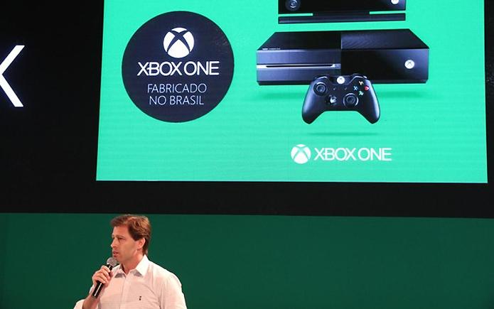 Diferente do PlayStation 4 que é importado, Xbox One é fabricado no Brasil (Foto: Pedro Cardoso / TechTudo)