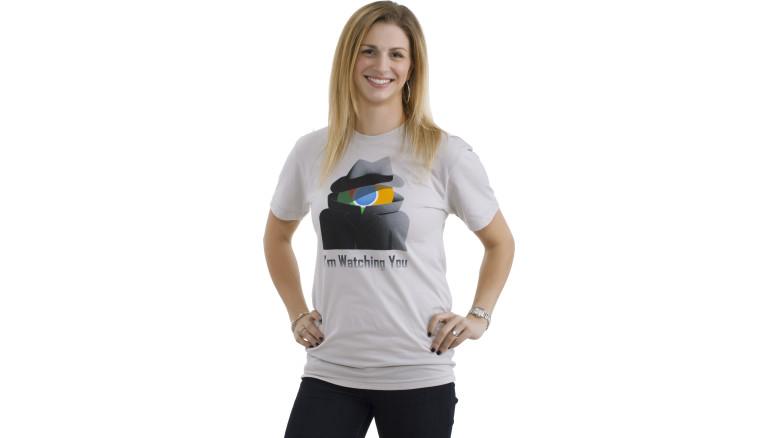 Camisa vendida pela Microsoft acusa Google Chrome de espionar usuários (Foto: Reprodução/Microsoft)