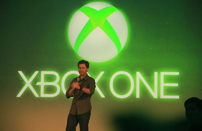 Entre agradecimentos, Francisco Simon, diretor de Marketing da Microsoft, disse que o lançamento atingiu proporções maiores do que o imaginado (Foto: TechTudo/Renato Bazan)