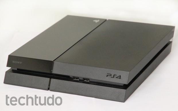 PS4 é o console da Sony e possui lindo design (Foto: Luciana Maline/ TechTudo)
