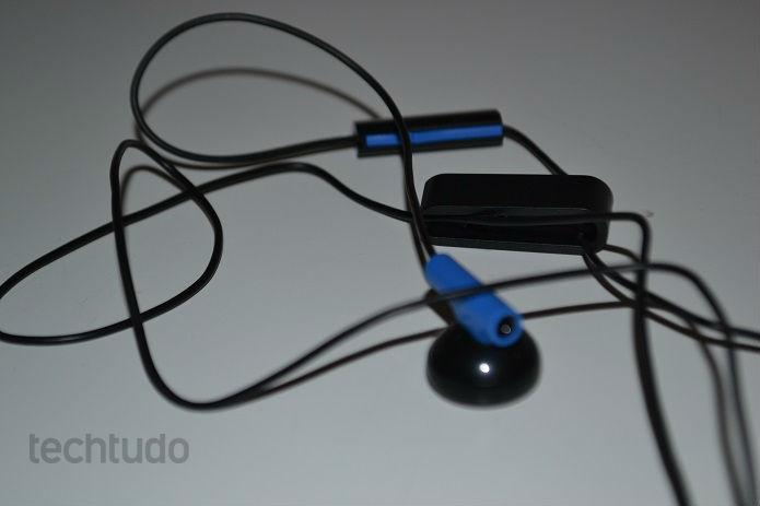 Headset é simples, mas funciona bem (Foto: Thiago Barros/TechTudo)