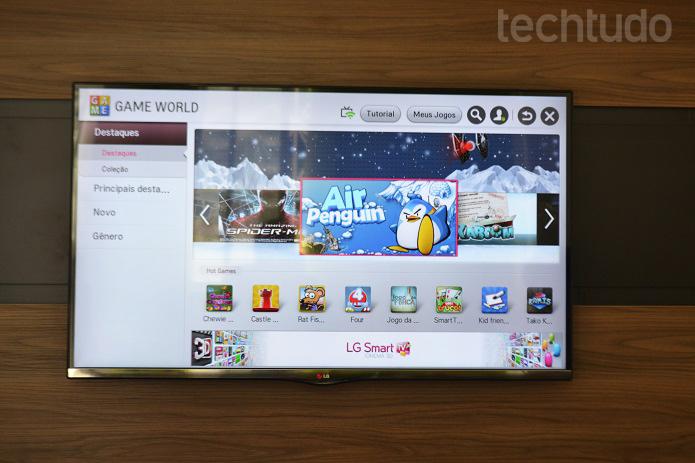 TV tem ótima qualidade e vários modos de imagem com apps e jogos (Foto: Thiago Barros/TechTudo)