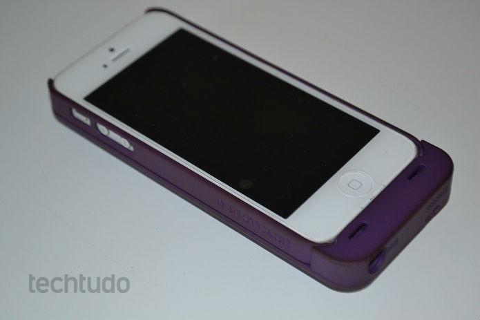 Case funciona muito bem no iPhone 5 (Foto: Thiago Barros/TechTudo)