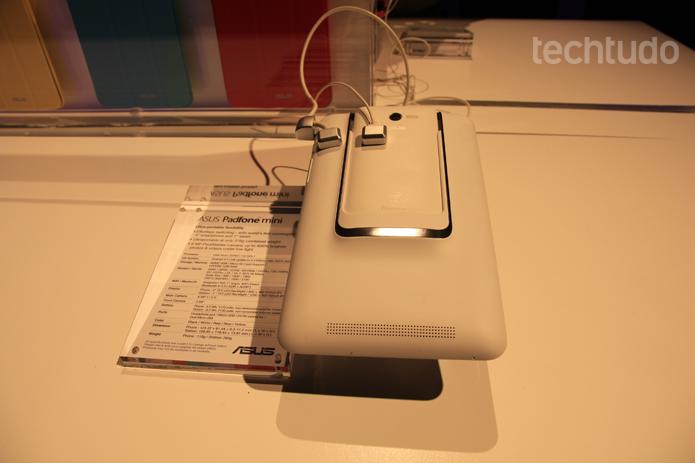 O Padfone mini é a versão menor do Padfone X. Ambos devem chegar ao mercado na mesma data