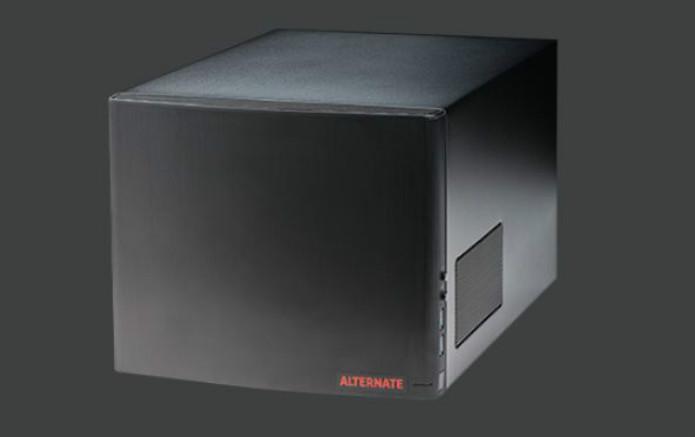 ALTERNATE -  Preço: US$1.339. Processador Intel Core i5 4570, 16 GB de RAM, Gigabyte GTX 760, SSD de 1 TB (Foto: Divulgação/Valve)