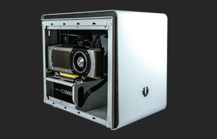 WEBHALLEN - Preço: US$1.499. Vem com um Intel Core i7 4771, 16 GB de RAM, NVIDIA GTX 780 e SSD de 1 TB (Foto: Divulgação/Valve)