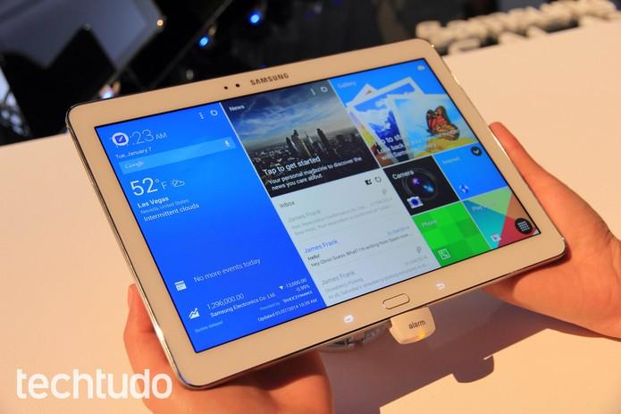 O Galaxy Tab Pro tem tela de 12,2 polegadas; Modelo não vem acompanhado da S Pen (Foto: Isadora Díaz/TechTudo)