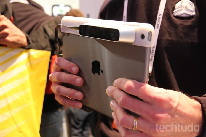 O scanner para tablets ainda está em desenvolvimento, mas a previsão de lançamento é para junho de 2014 (Foto: Monique Mansur/TechTudo)