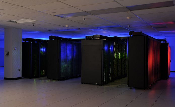 O Tianhe é o computador mais poderoso do mundo, e não é sem motivo (Foto: Reprodução / datacenterjournal)