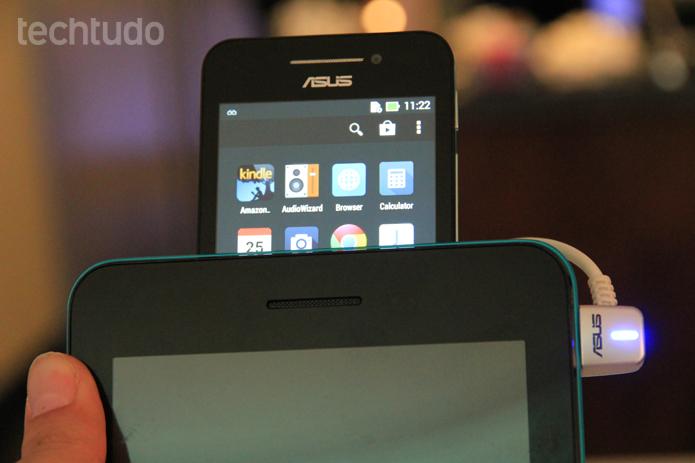 O aparelho roda Android 4.3, mas será atualizado para a versão 4.4 com o ZenUI