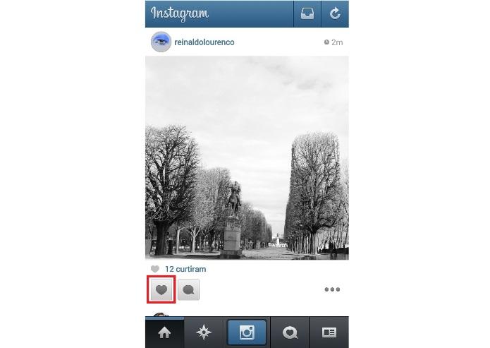 Curtindo uma foto no Instagram (Foto:Reprodução/Lívia Dâmaso)