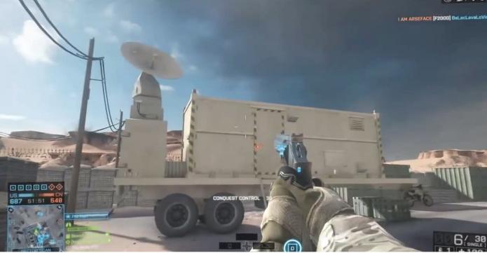 Ache o trailer de comando do avião bombardeio no meio da base militar (Foto: Reprodução / Larry Hryb)
