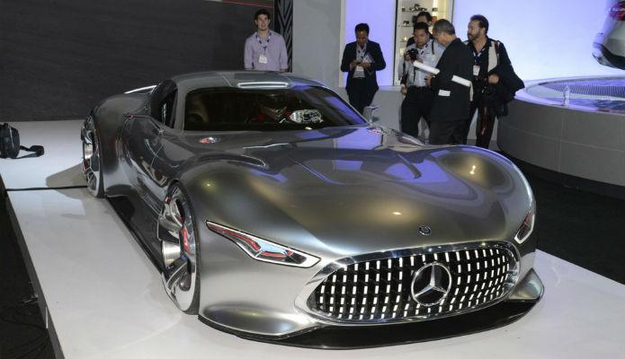 Mercedes Benz Vision Gran Turismo 13. Sim, eles de fato construíram o carro antes de incluí-lo no jogo (Foto: Divulgação/Sony)