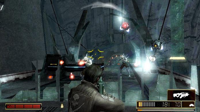 Jogos como Resistance Retribution ficam muito melhores ao usar o analógico direito como mira (Foto: ebgames.com.au)